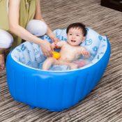 Aufblasbare Babybadewanne in Blau